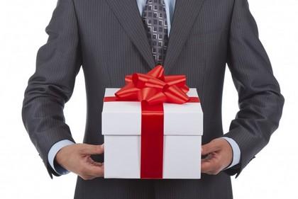 Дарим полезные подарки